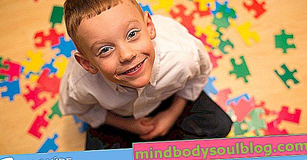 Wie man frühe Anzeichen von leichtem Autismus erkennt