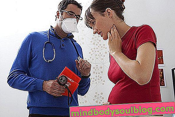 Comment traiter les maux de gorge pendant la grossesse