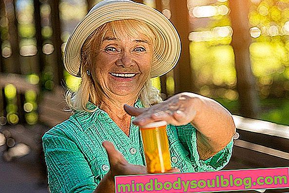 Соев лецитин при менопауза: ползи, за какво е предназначен и как да го приемате