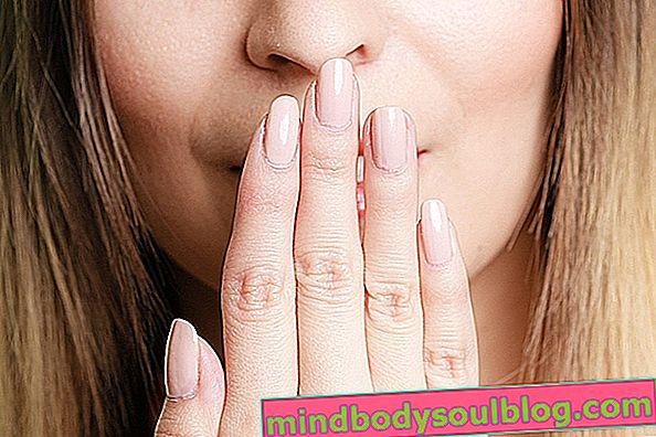 الأسباب الرئيسية لرائحة الفم الكريهة وماذا تفعل