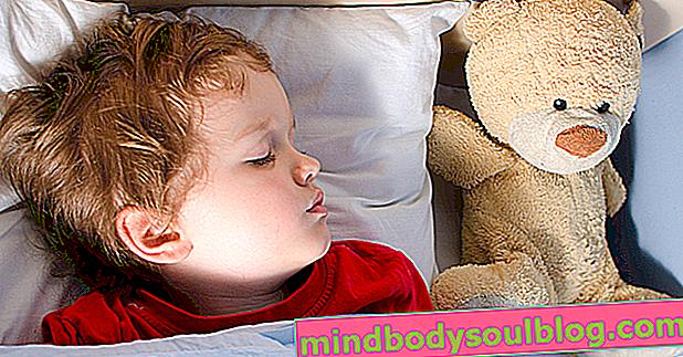 نوم الطفل: كم عدد الساعات التي يحتاجها للنوم حسب العمر